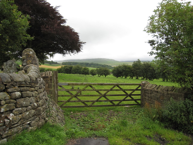 View through a gate in Thornton in Lonsdale