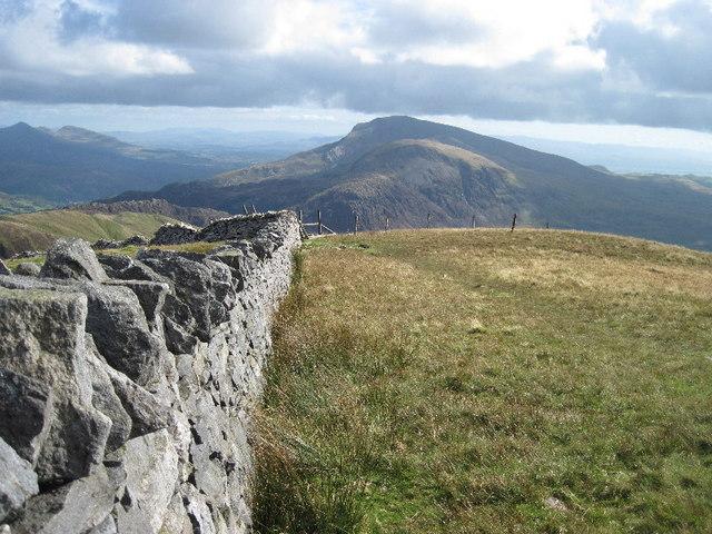 The summit wall of Mynydd Tal-y-mignedd