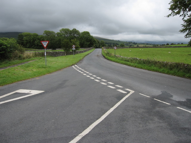 The road to Ingleton from Thornton in Lonsdale