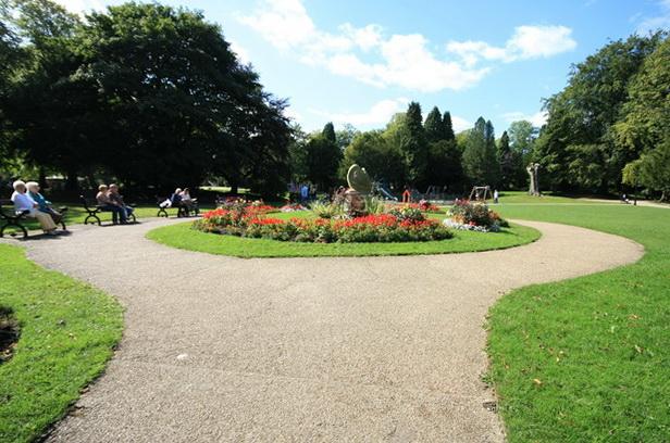 Flower Bed, Pavilion Gardens