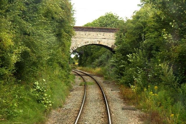 Approaching Kidlington Road bridge at Islip