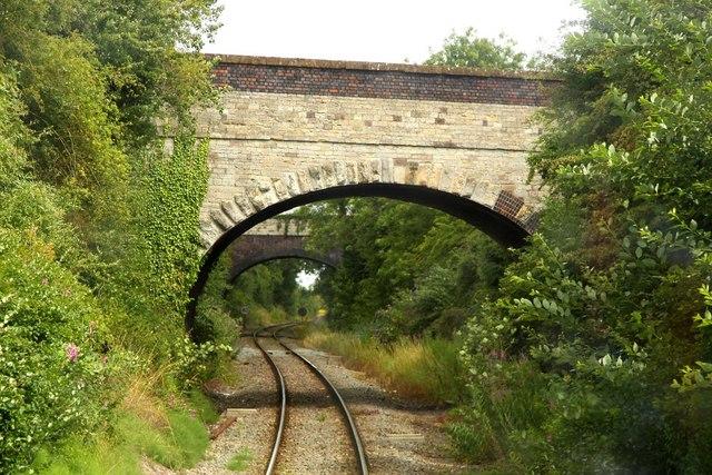 Kidlington Road bridge with Bletchingdon Road bridge behind
