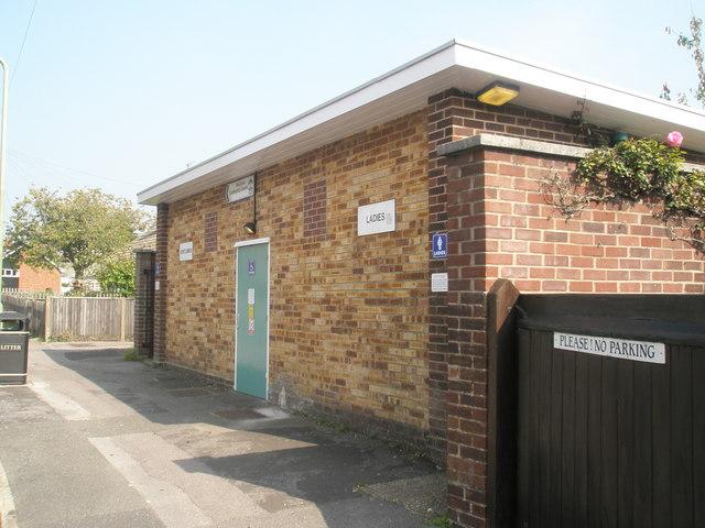 Public toilets in Station Road