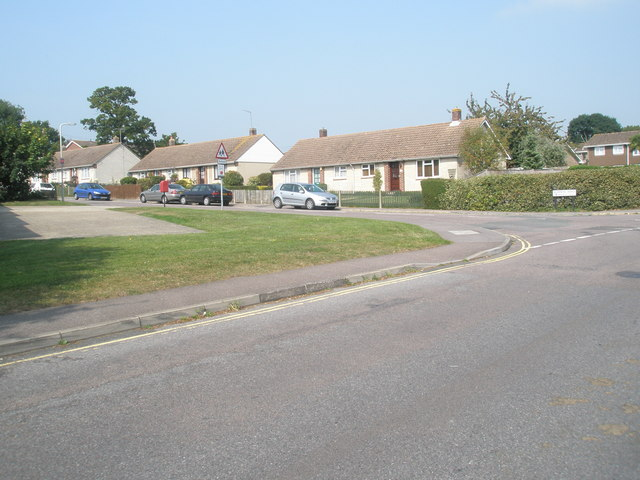 Approaching the junction of Station Road and Buddens Road
