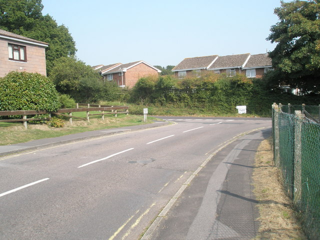 Approaching the junction of Station Road and Mill Lane