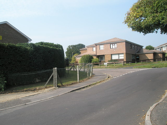 Approaching the junction of Mill Lane and Station Road