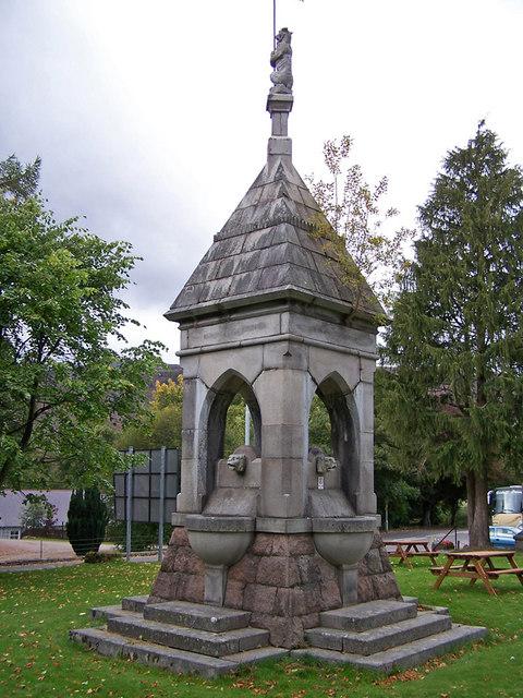 Memorial fountain, Braemar