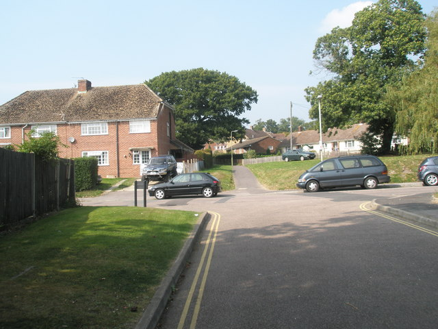 Looking from Springfield Close into Buddens Road