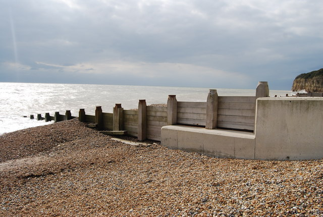 Concrete & wooden Groyne, Pett Levels