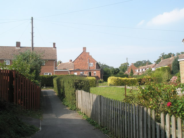 Looking from Buddens Road towards Elizabeth Road