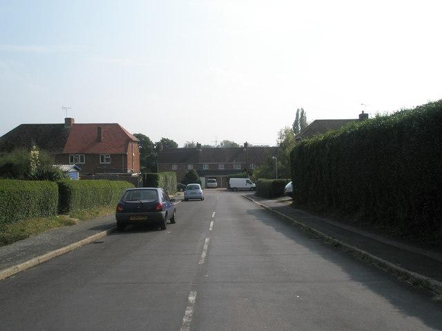 Looking down Elizabeth Road towards Buddens Road