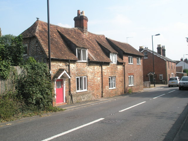 Simple cottages in the Winchester Road