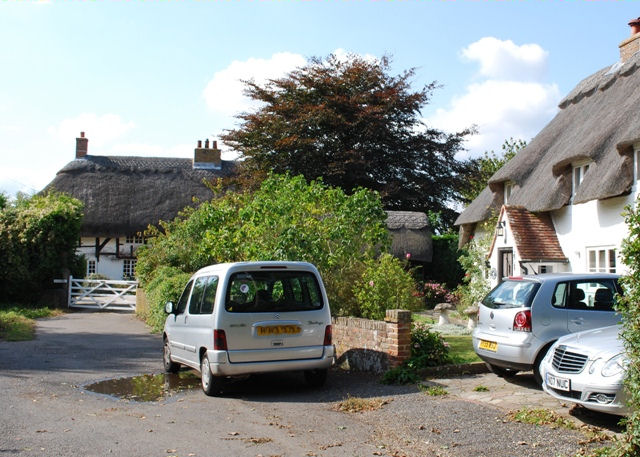 Thatched houses, Sandy Lane