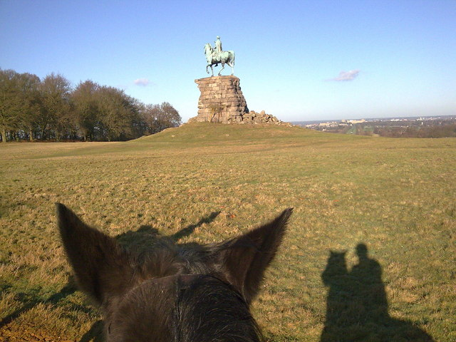 George The Thirds statue from horseback