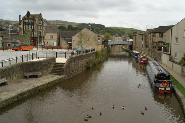 Skipton Bus Station, beside the Leeds & Liverpool Canal