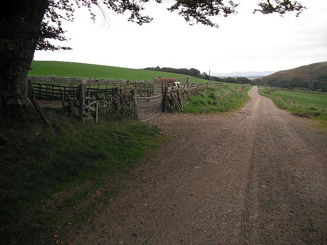 Stobshiel - Carfraemill road