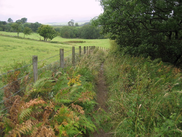 Pennine Way below Crossthwaite Scars