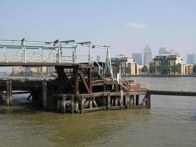Landing stage, Greenwich Reach