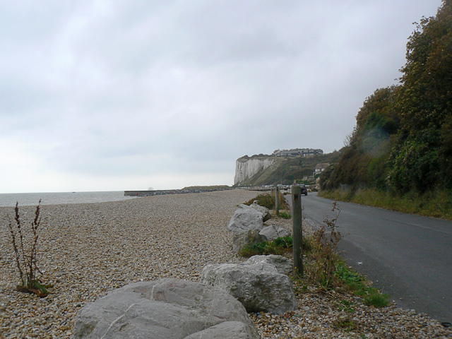 Oldstairs Bay and white cliffs beyond