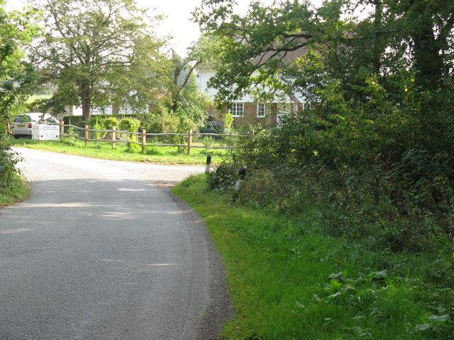 Sharp bend in Kent Street