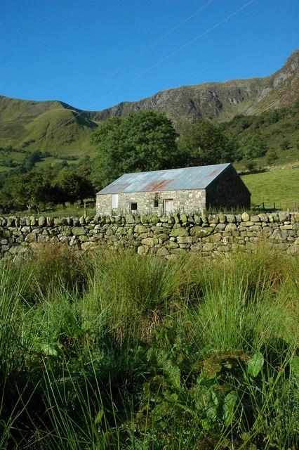 Barn at the head of Cwm Cywarch