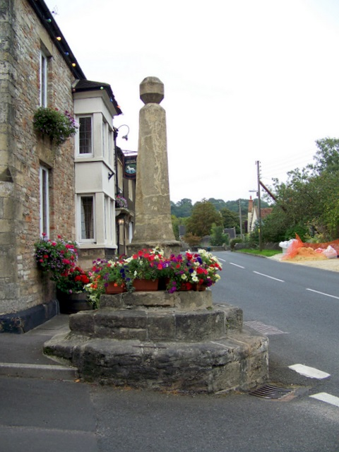 Village cross, Croscombe