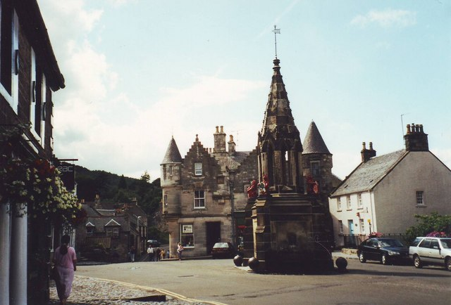 Bruce Fountain and town square, Falkland, Fife.