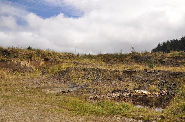 Trackside hollow near Carn Caglau, Mynydd Blaen-nant-du