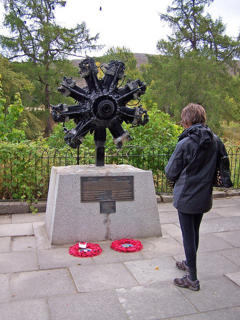 Wellington aircrew memorial, Braemar