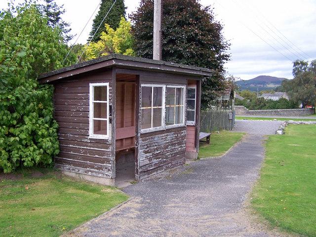 Bus shelter, Braemar