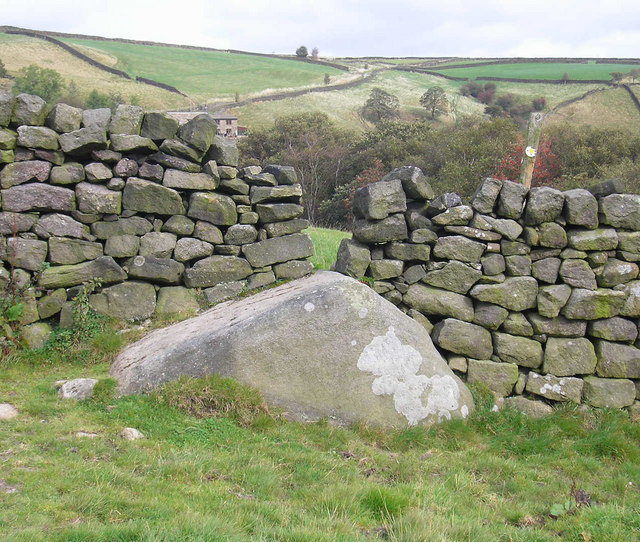 A boulder style of stile