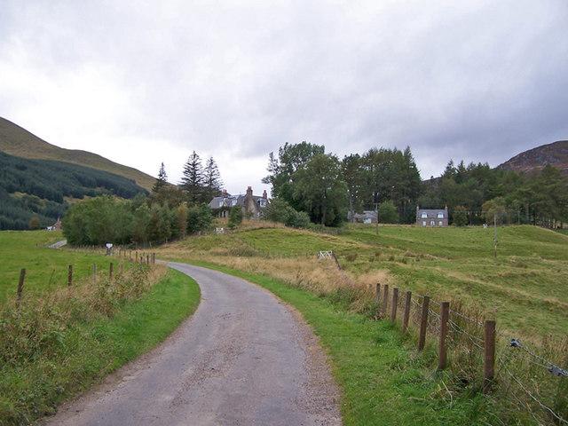 Road to Glenlochsie Farm