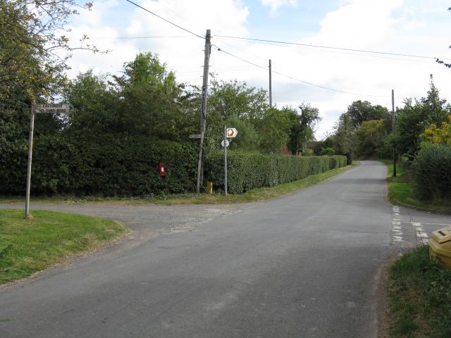 Sankyns Green Crossroads, Looking East