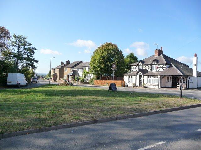 Lent Green,The Pheasant Pub and Lent Rise Road
