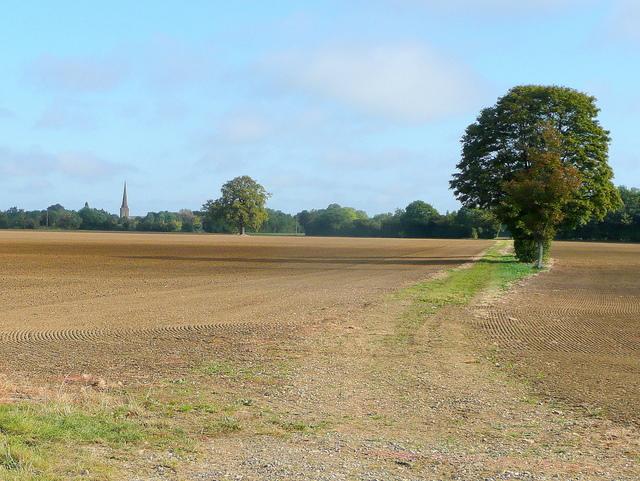 Flat Worcestershire farmland