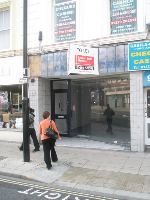 Shop to let in West Street