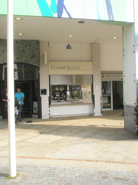 Ernest Jones in Fareham town centre