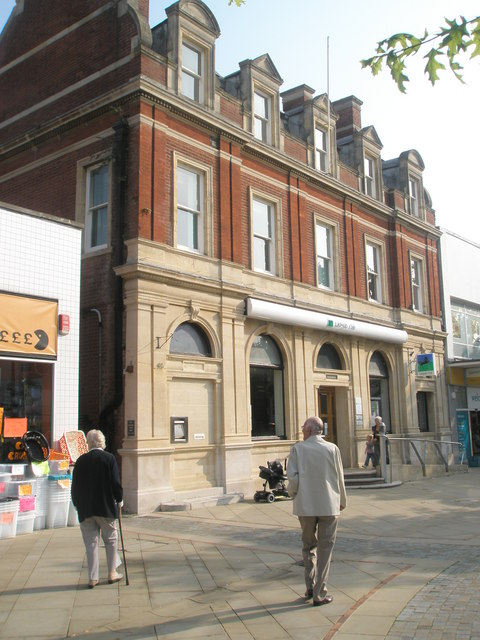 Lloyds TSB in Fareham town centre