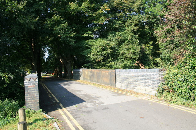 Bridge on the road from Milldown Common to Milldown Road