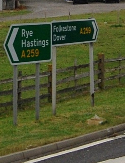 Road sign at the junction off Camber Rd & A259