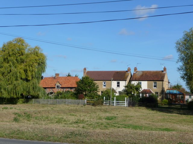 Cottages on Dorney Common, North of B3026