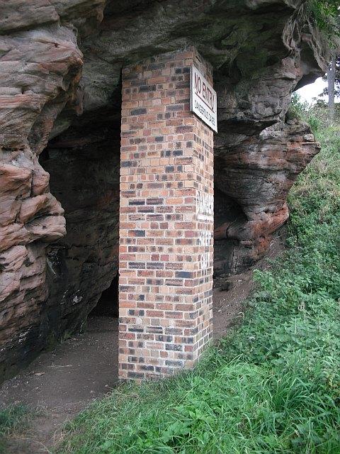 Court Cave