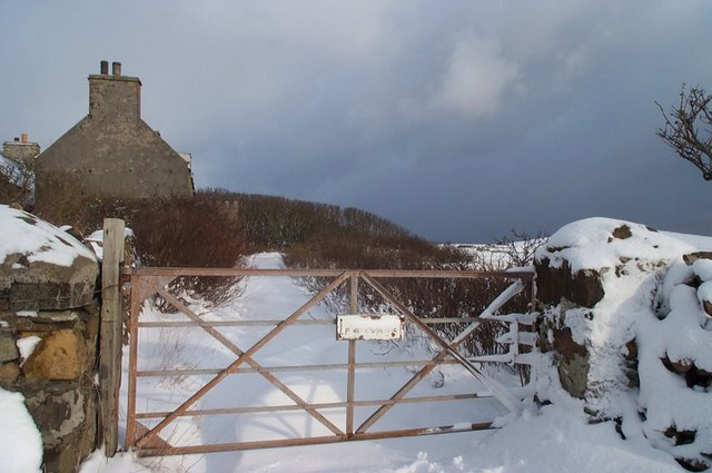 Entrance gate to Halligarth, Baltasound, in the snow