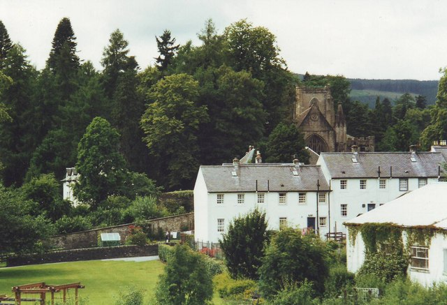 A row of white houses in Dunkeld