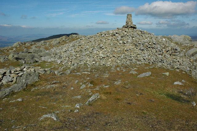 Summit cairn, Aran Fawddwy