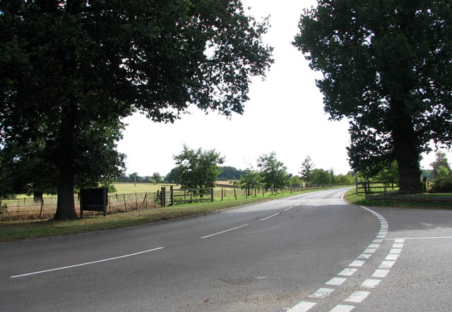 View along the B1074 (Blundeston Road)