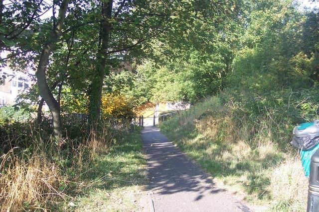 Footpath to Upbury Way, Chatham