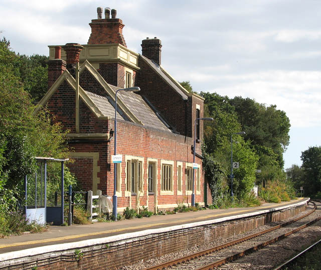 Somerleyton railway station - the station building