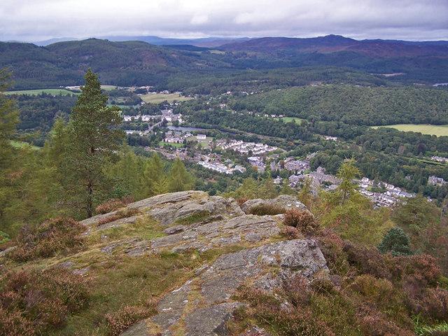 Craggy viewpoint, Birnam Hill