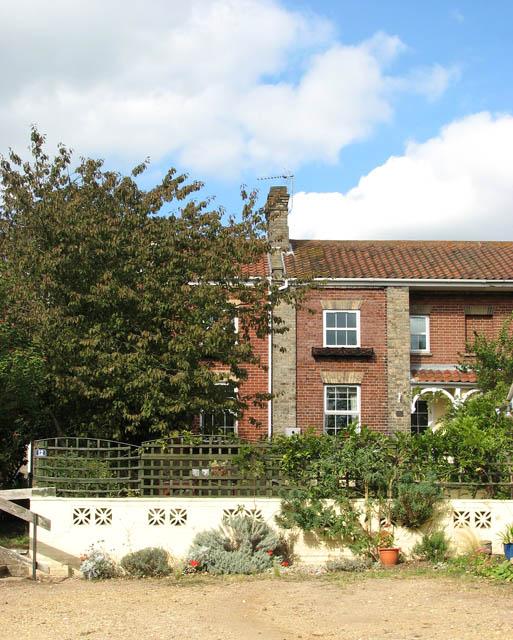 Houses by Somerleyton Marina